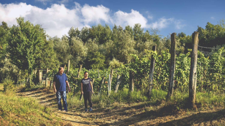 Sergio e Beatrice nelle vigne